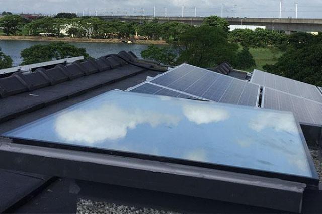 改善屋頂出入口結露、透光問題,是屋主一直很頭痛的問...